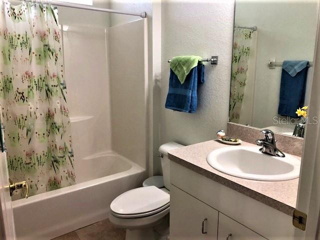 Guest Bathroom - Villa for sale at 1116 Yosemite Dr, Englewood, FL 34223 - MLS Number is D6100080