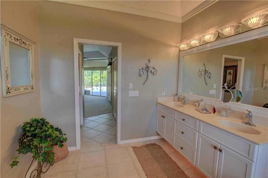 Single Family Home for sale at 42 Medalist Ln, Rotonda West, FL 33947 - MLS Number is D6102540