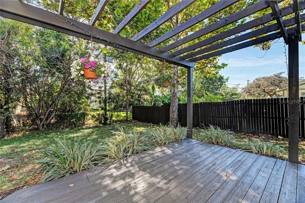 Enjoy the privacy and nature on the back yard deck. - Single Family Home for sale at 3723 Shamrock Dr, Venice, FL 34293 - MLS Number is D6102893