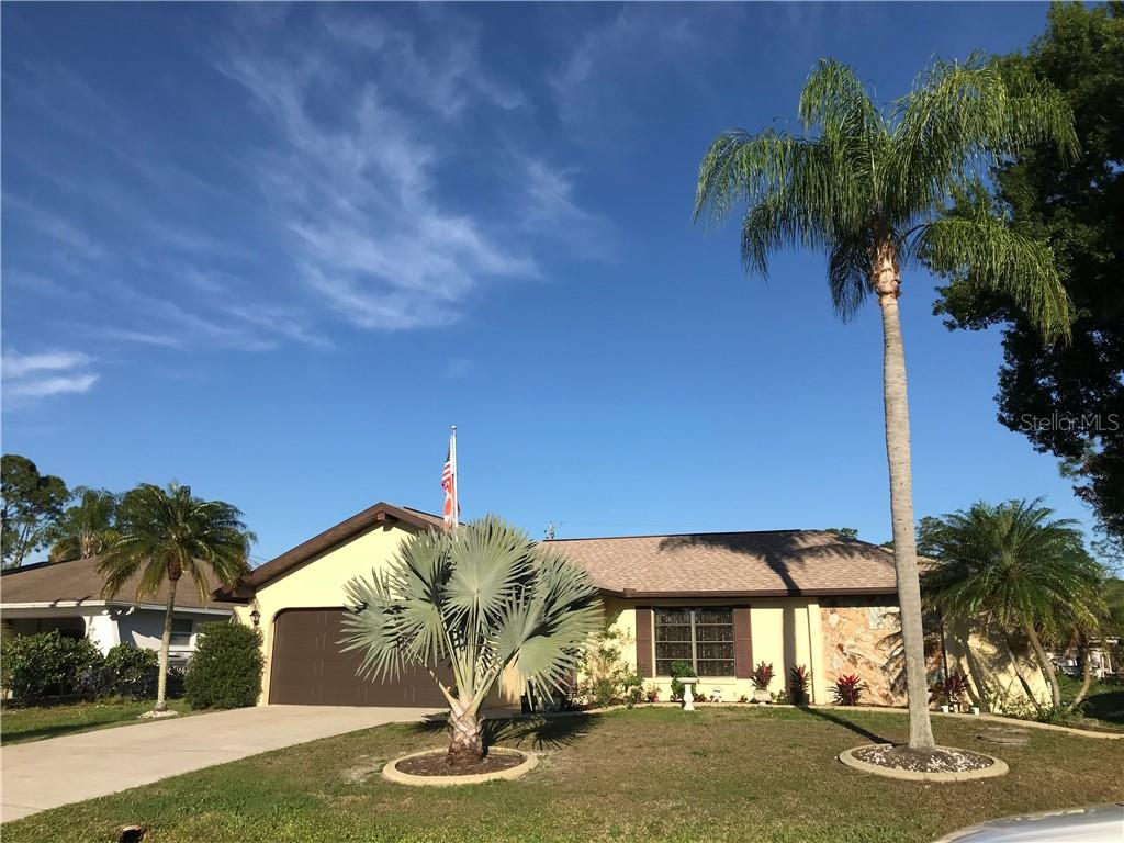 Single Family Home for sale at 1338 Wilmette St, Port Charlotte, FL 33980 - MLS Number is D6105653