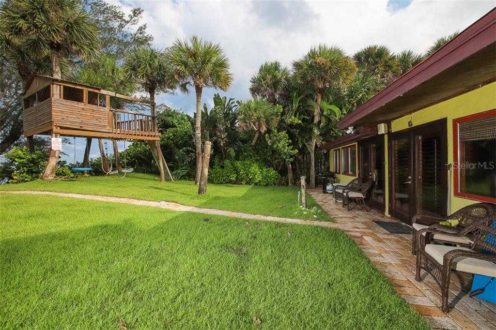 Single Family Home for sale at 7580 Manasota Key Rd, Englewood, FL 34223 - MLS Number is D6108492