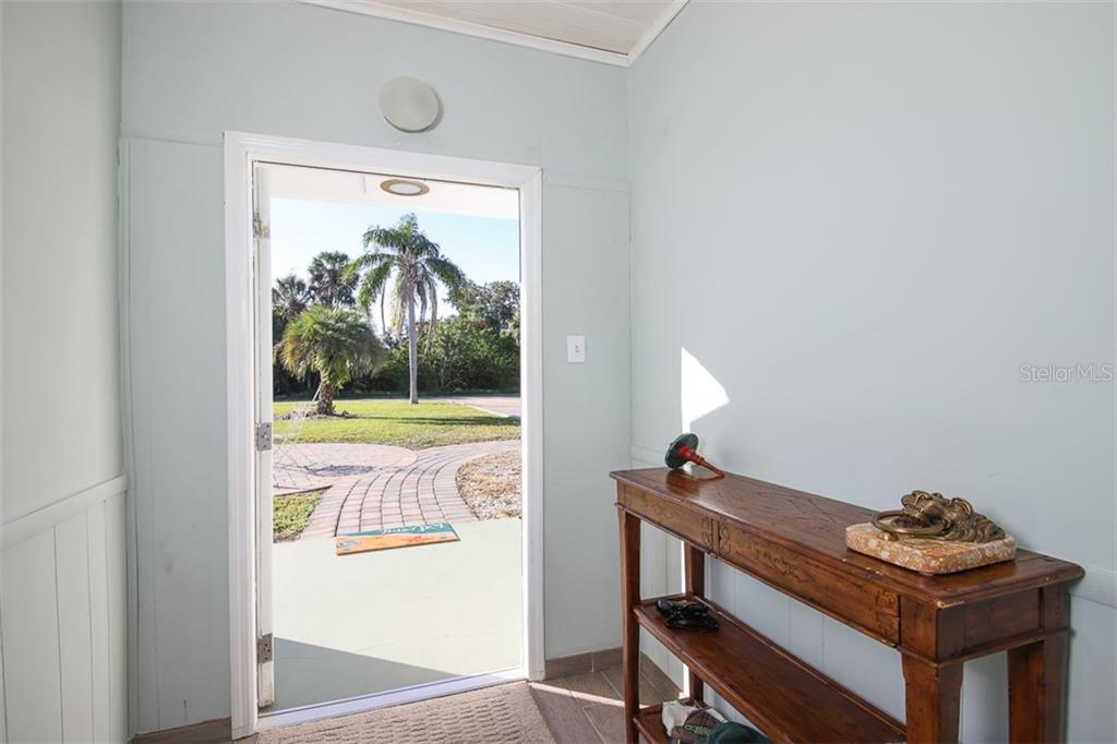 Kitchen - Single Family Home for sale at 1030 E 2nd St, Englewood, FL 34223 - MLS Number is D6110643