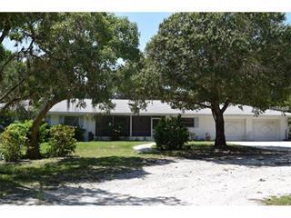 1405 Oak St, Nokomis, FL 34275