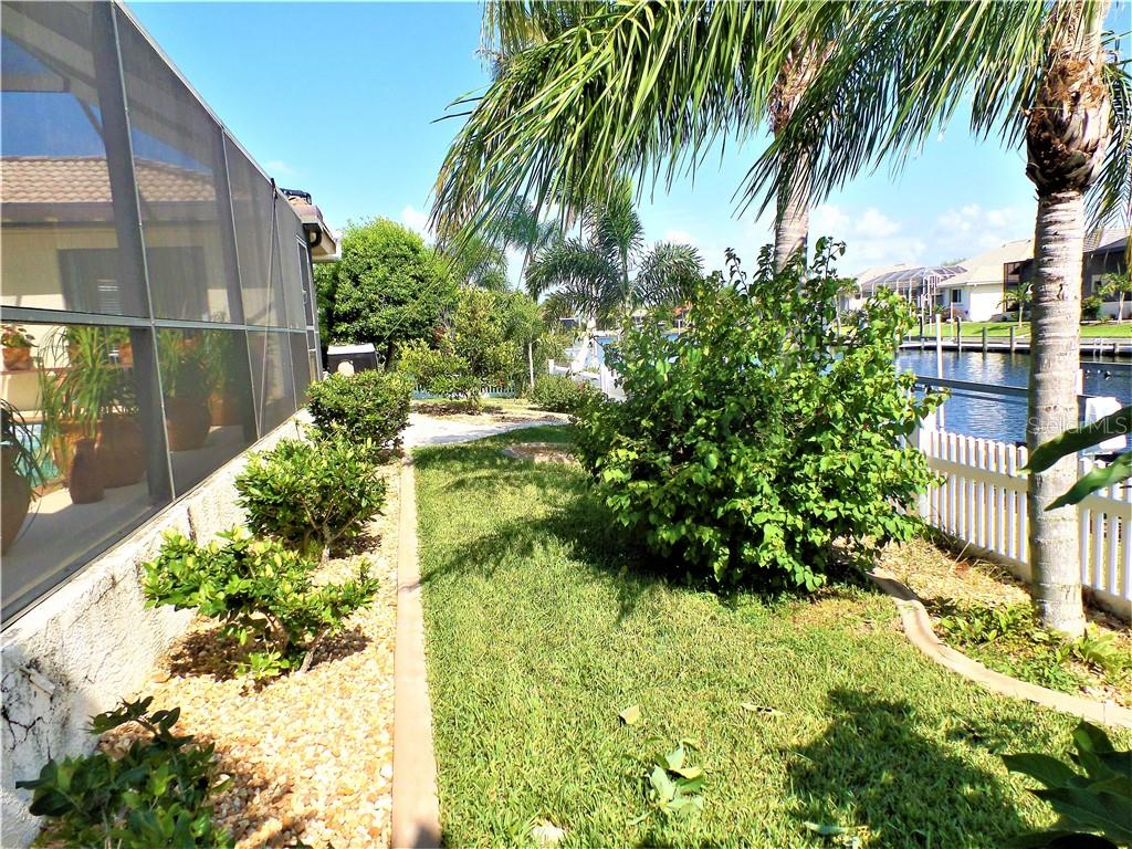 Single Family Home for sale at 537 Andora Dr, Punta Gorda, FL 33950 - MLS Number is C7404005