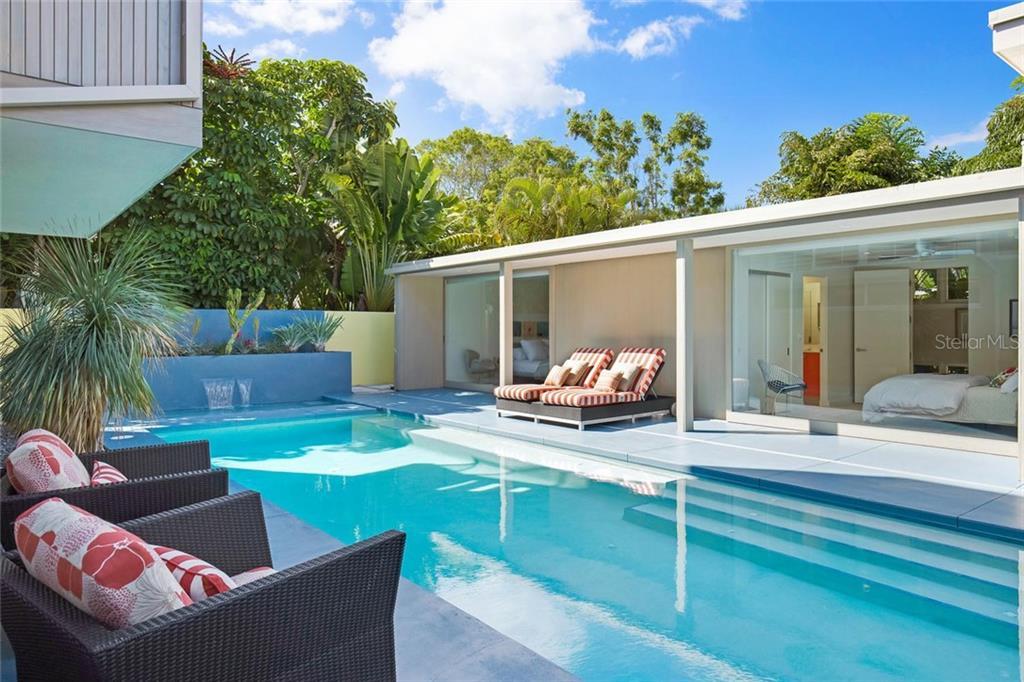 175 Morningside Dr, Sarasota, FL 34236 - photo 10 of 25