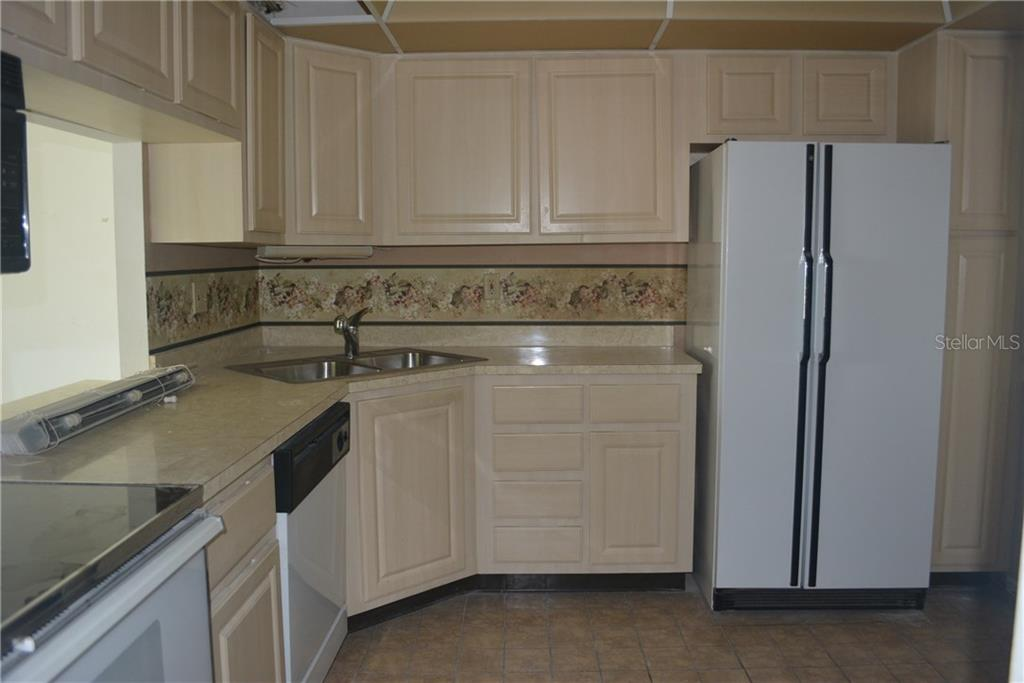 kitchen - Condo for sale at 101 S Gulfstream Ave #11a, Sarasota, FL 34236 - MLS Number is A4168207
