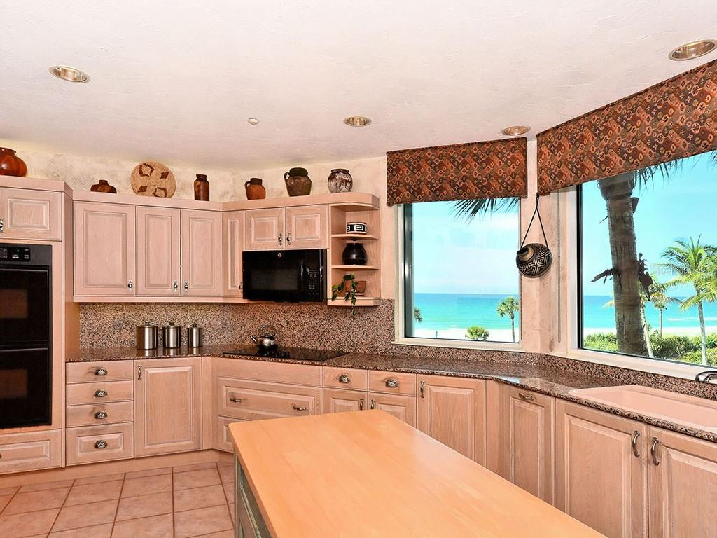 Kitchen with Beach View - Single Family Home for sale at 655 Longboat Club Rd #13a, Longboat Key, FL 34228 - MLS Number is A4171637