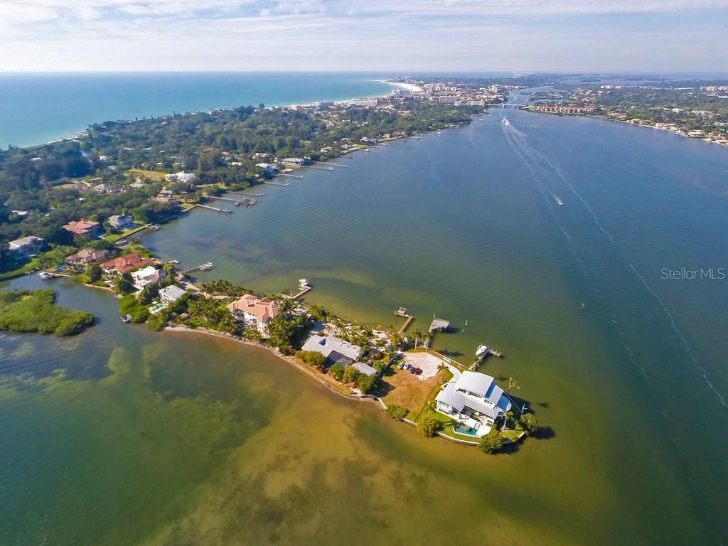 1430 Point Crisp Rd, Sarasota, FL 34242 - photo 10 of 25