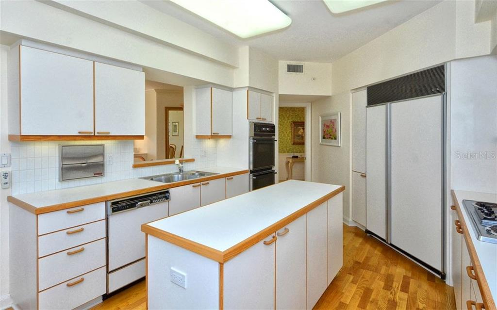 Kitchen - Condo for sale at 535 Sanctuary Dr #c108, Longboat Key, FL 34228 - MLS Number is A4172623