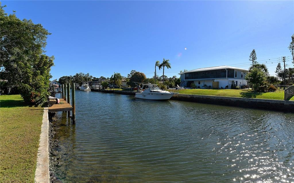 Aqualane Canal - Deep Water - Single Family Home for sale at 1532 Shelburne Ln, Sarasota, FL 34231 - MLS Number is A4173872