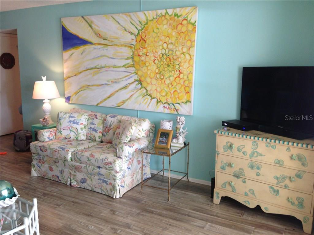 Condo for sale at 1330 Glen Oaks Dr E #275d, Sarasota, FL 34232 - MLS Number is A4178649