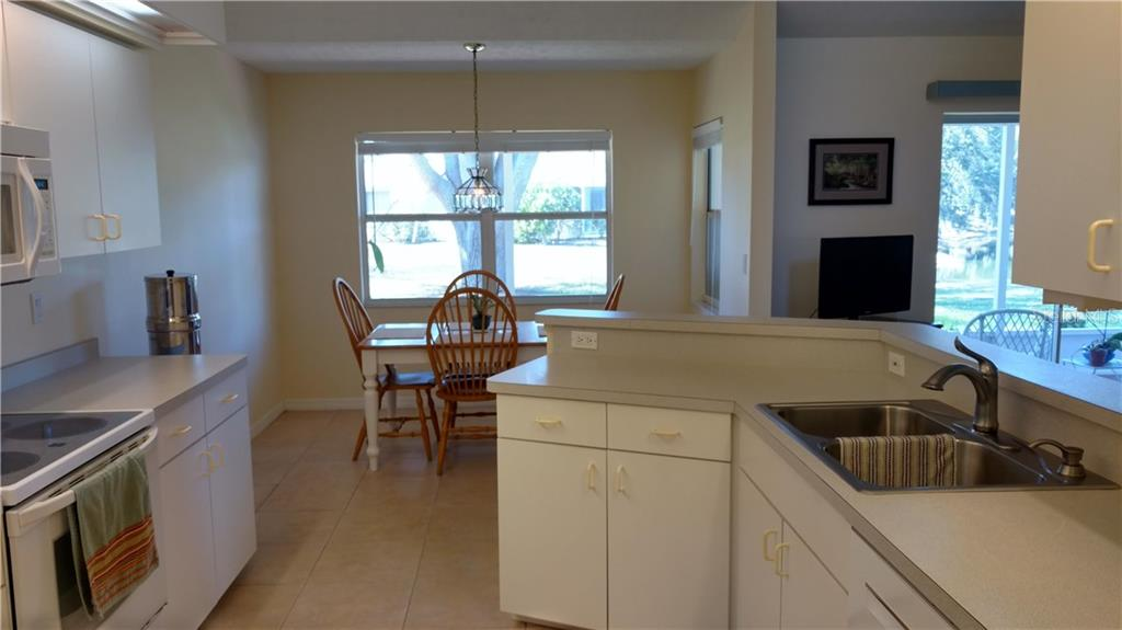 Single Family Home for sale at 3183 Crystal Lakes Ct, Sarasota, FL 34235 - MLS Number is A4179416