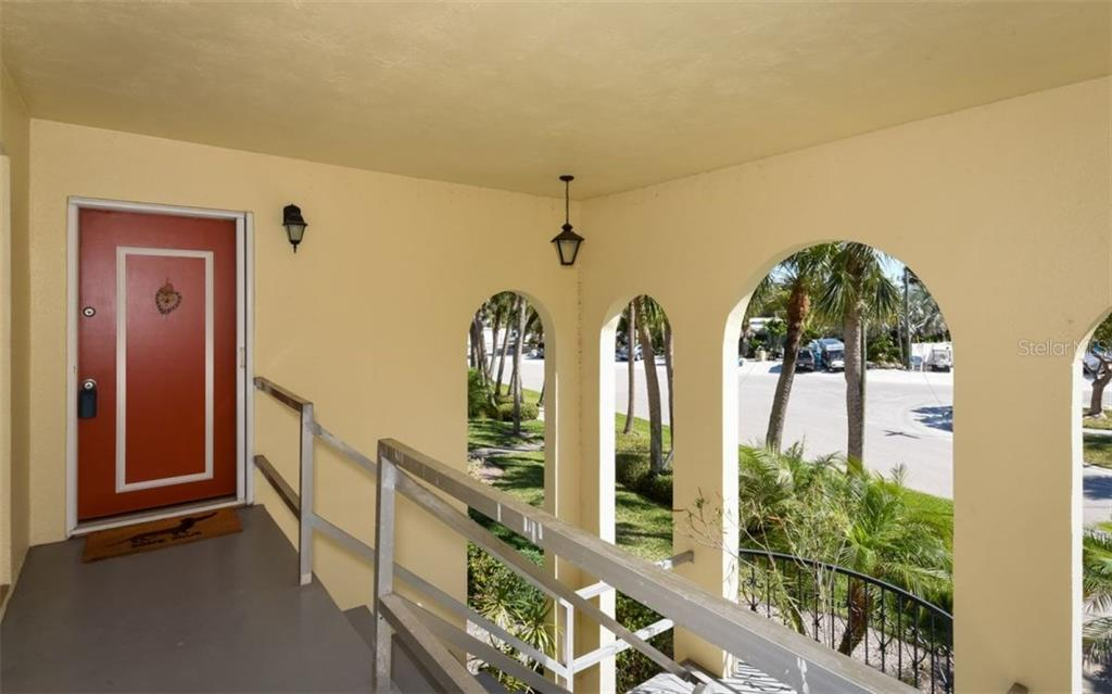 Front entry - Condo for sale at 133 Avenida Messina #4, Sarasota, FL 34242 - MLS Number is A4179566