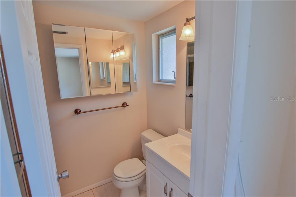 Master Bathroom - Villa for sale at 2312 Terry Ln, Sarasota, FL 34231 - MLS Number is A4186271