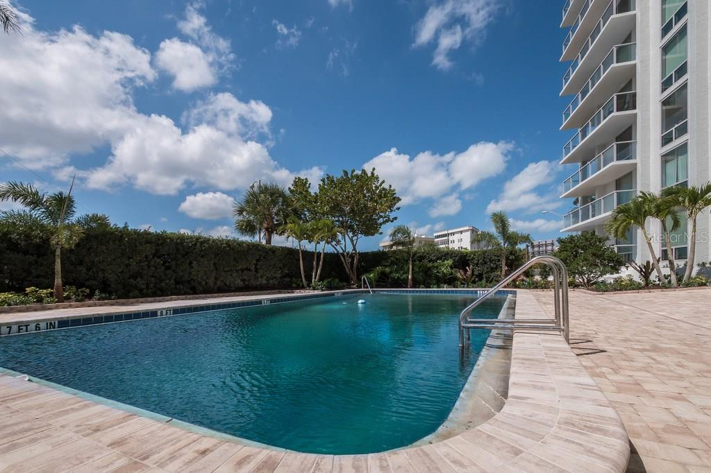 Condo for sale at 1111 N Gulfstream Ave #ph-B, Sarasota, FL 34236 - MLS Number is A4188543