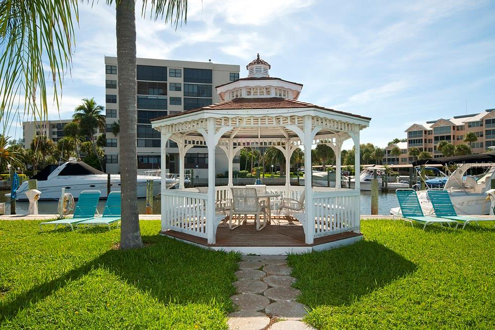 Community gazebo - Condo for sale at 5855 Midnight Pass Rd #628, Sarasota, FL 34242 - MLS Number is A4190416