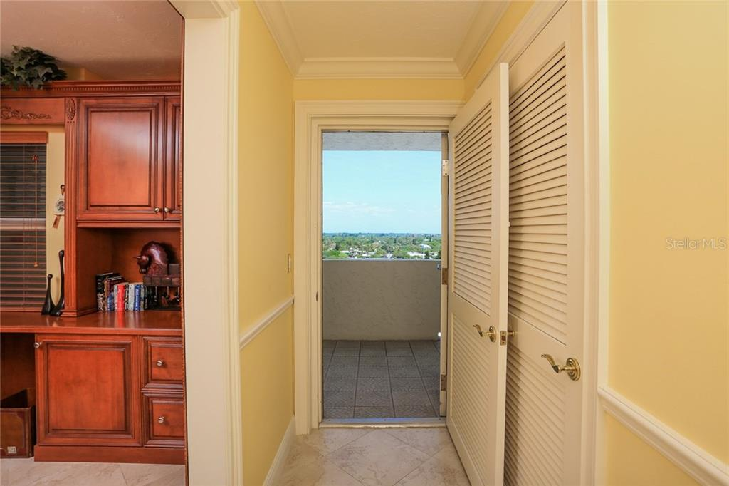 Foyer - Condo for sale at 20 Whispering Sands Dr #1103, Sarasota, FL 34242 - MLS Number is A4192663