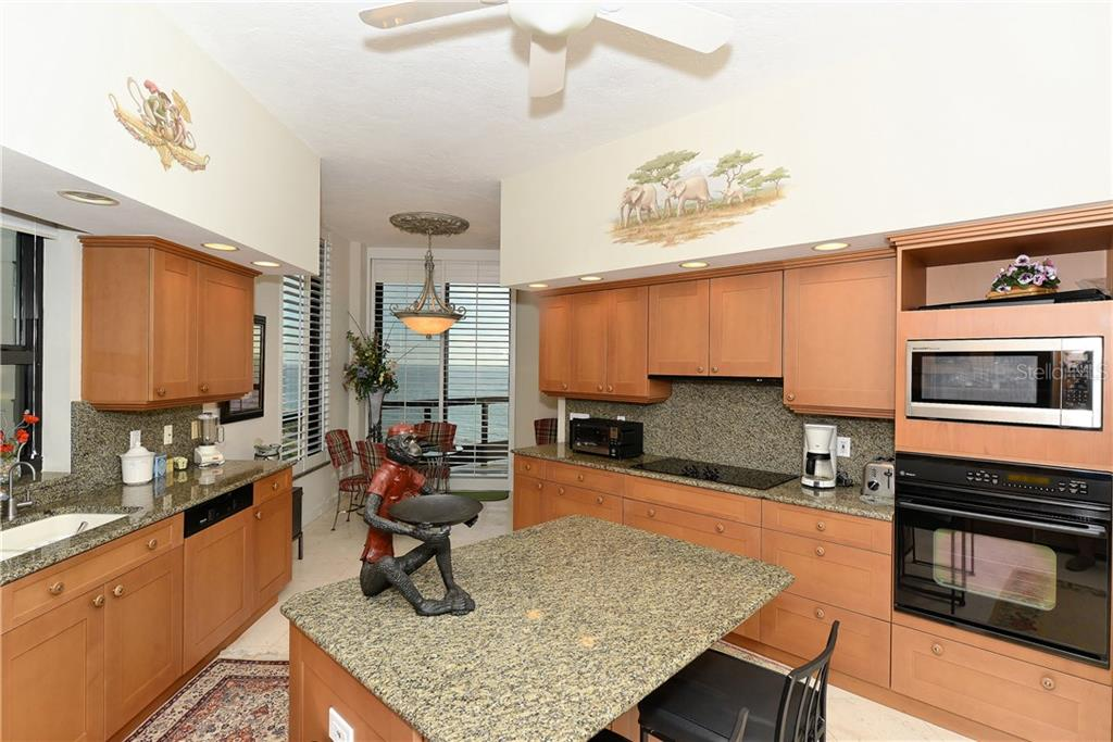 Condo for sale at 1281 Gulf Of Mexico Dr #701, Longboat Key, FL 34228 - MLS Number is A4197494