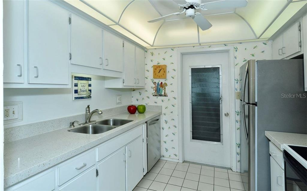 Kitchen - Condo for sale at 6308 Midnight Pass Rd #4, Sarasota, FL 34242 - MLS Number is A4198360