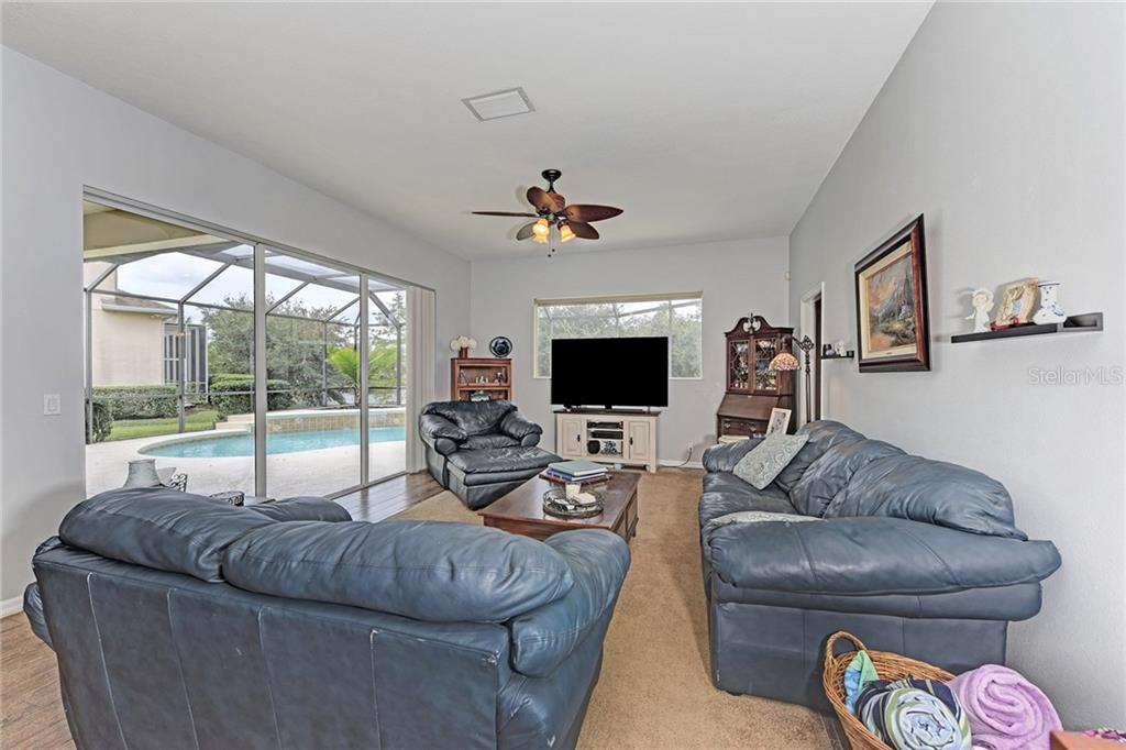 Single Family Home for sale at 6408 Indigo Bunting Pl, Lakewood Ranch, FL 34202 - MLS Number is A4199746