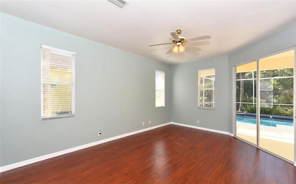 Single Family Home for sale at 5196 Far Oak Cir, Sarasota, FL 34238 - MLS Number is A4202114