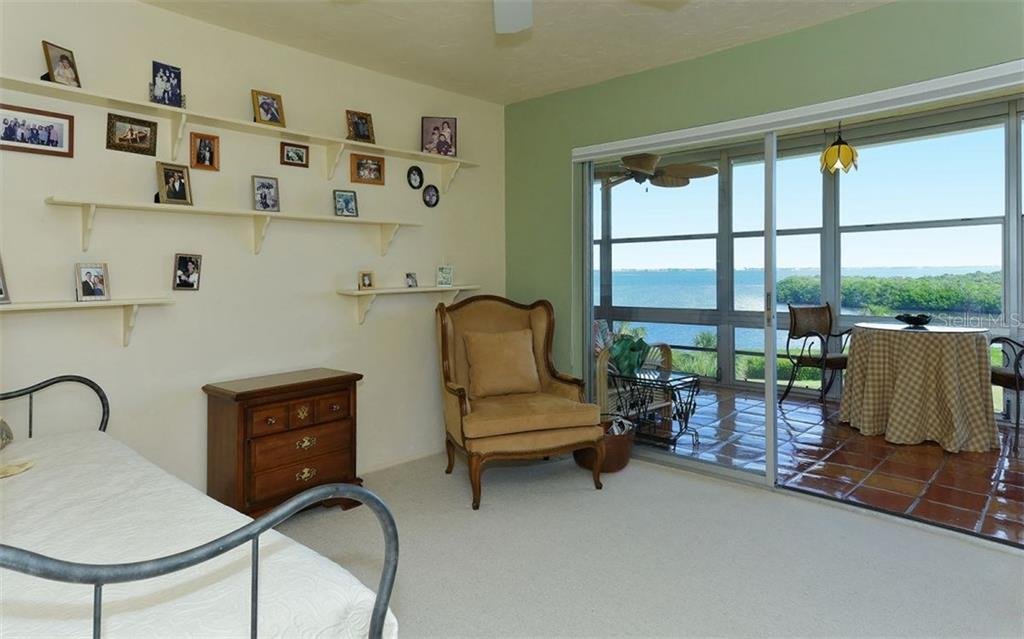Condo for sale at 4700 Gulf Of Mexico Dr #ph6, Longboat Key, FL 34228 - MLS Number is A4202417