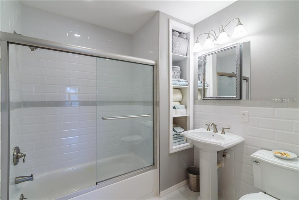 2nd bathroom - Single Family Home for sale at 5439 Azure Way, Sarasota, FL 34242 - MLS Number is A4203969