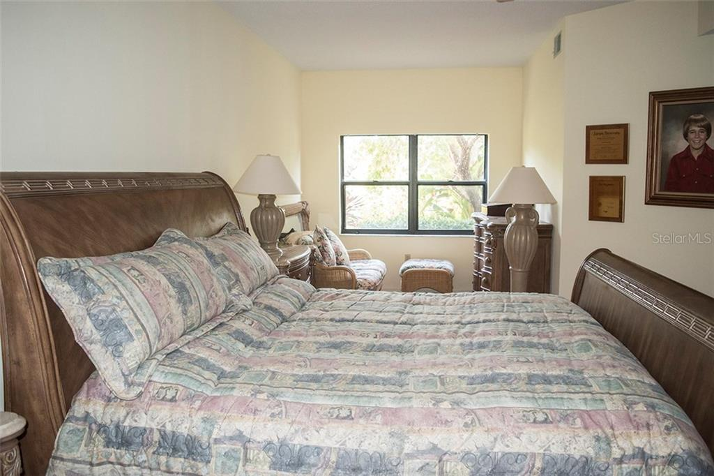 Master suite has sitting area. - Condo for sale at 1618 Starling Dr #105, Sarasota, FL 34231 - MLS Number is A4204864