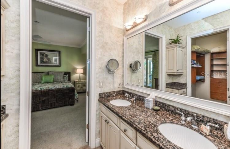 Condo for sale at 6422 Gulf Dr #5, Holmes Beach, FL 34217 - MLS Number is A4206902