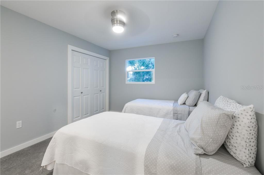 Guest bedroom - Single Family Home for sale at 460 Pheasant Dr, Sarasota, FL 34236 - MLS Number is A4208025