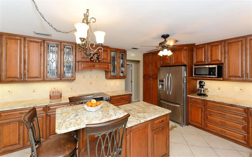 Kitchen - Single Family Home for sale at 5122 Willow Leaf Dr, Sarasota, FL 34241 - MLS Number is A4209555