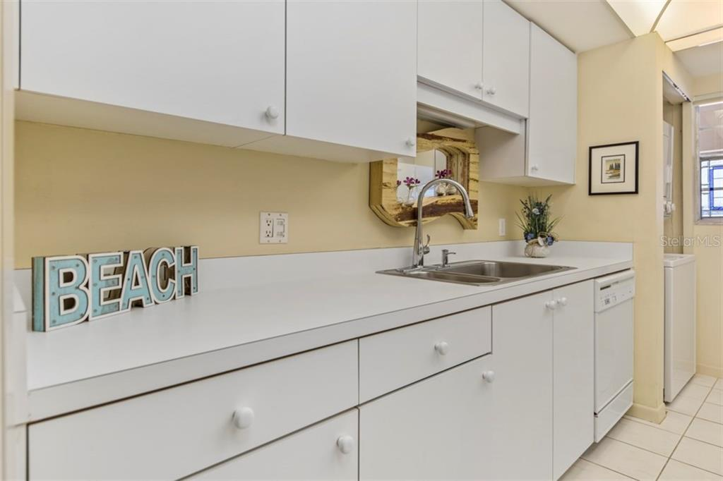 Kitchen - Condo for sale at 6140 Midnight Pass Rd #608, Sarasota, FL 34242 - MLS Number is A4209897