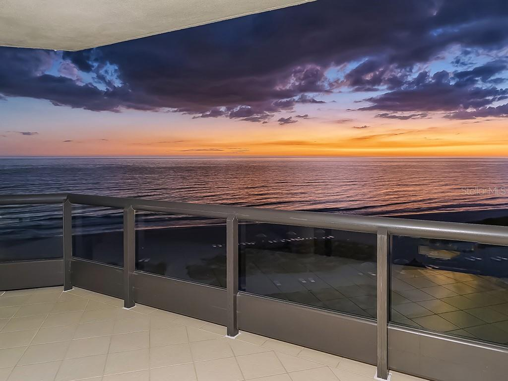 Gulf of Mexico - Sunset Afterglow - Condo for sale at 1241 Gulf Of Mexico Dr #502, Longboat Key, FL 34228 - MLS Number is A4211248