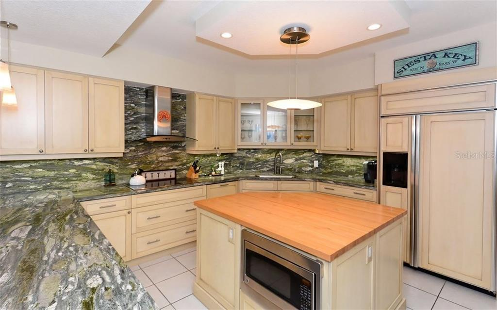 Condo for sale at 1260 Dolphin Bay Way #204, Sarasota, FL 34242 - MLS Number is A4211320