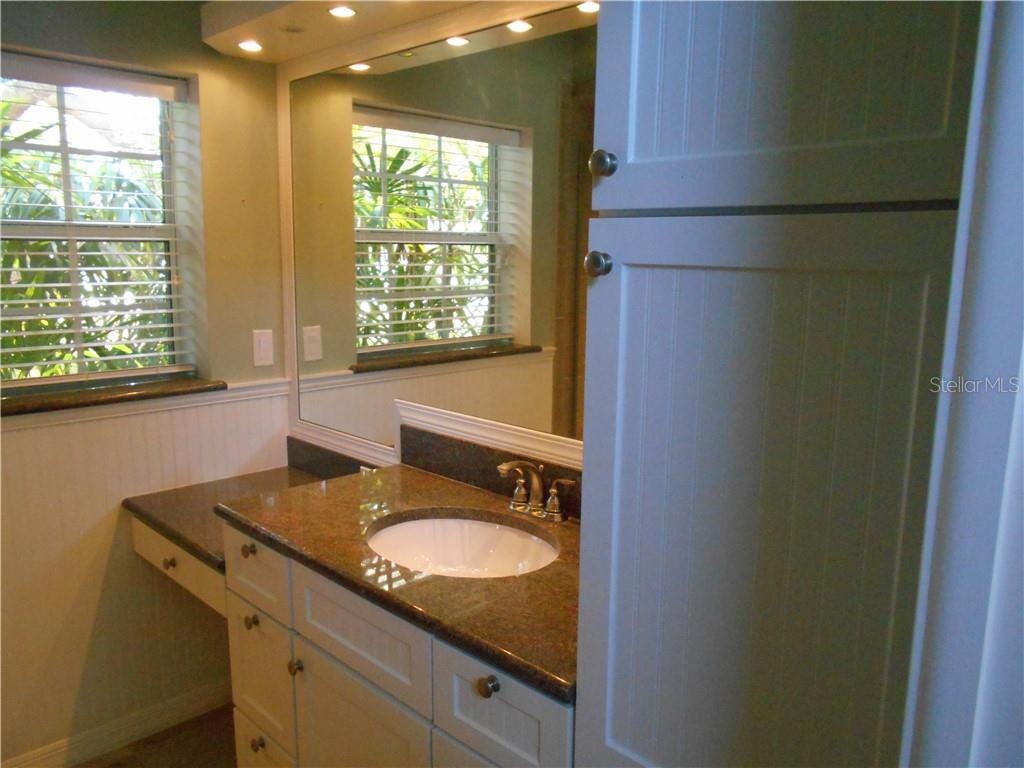 Master bathroom - Single Family Home for sale at 5150 Ashton Pines Ln, Sarasota, FL 34231 - MLS Number is A4400646