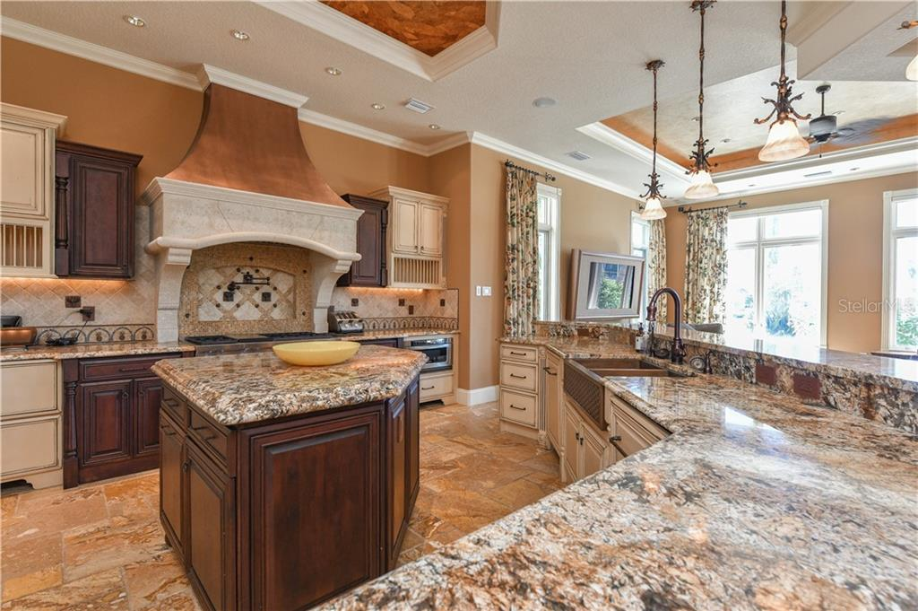 Kitchen - Single Family Home for sale at 506 Venice Ln, Sarasota, FL 34242 - MLS Number is A4402493