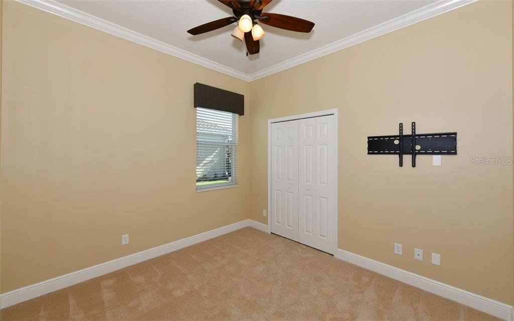 Third full bath with tub. - Single Family Home for sale at 533 Mast Dr, Bradenton, FL 34208 - MLS Number is A4402963