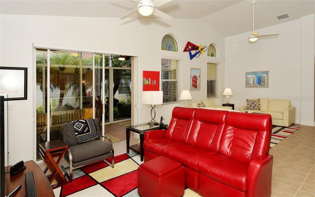 Sitting area - Single Family Home for sale at 6507 42nd St E, Sarasota, FL 34243 - MLS Number is A4404611