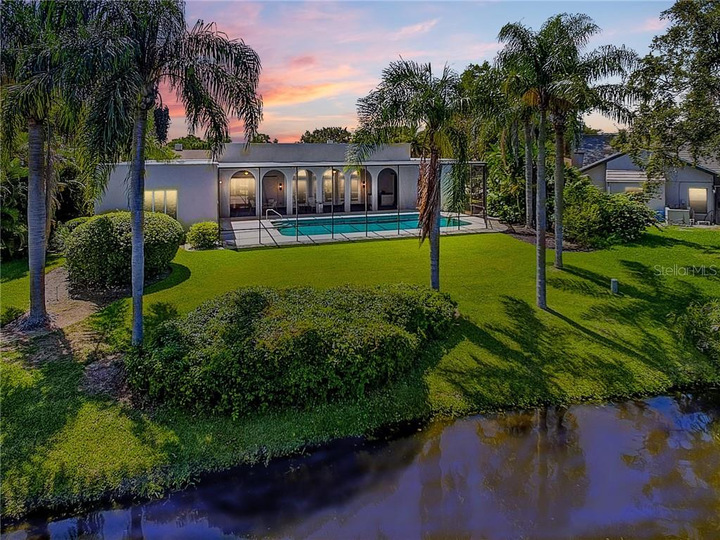 Single Family Home for sale at 3911 Spyglass Hill Rd, Sarasota, FL 34238 - MLS Number is A4404657