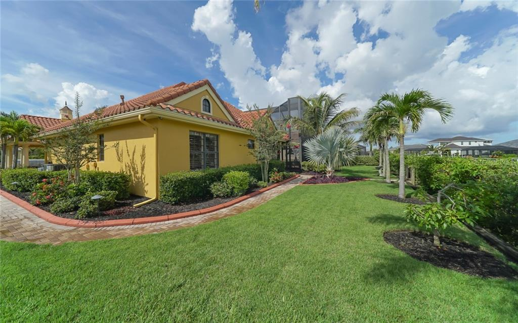 Single Family Home for sale at 540 Fore Dr, Bradenton, FL 34208 - MLS Number is A4406084