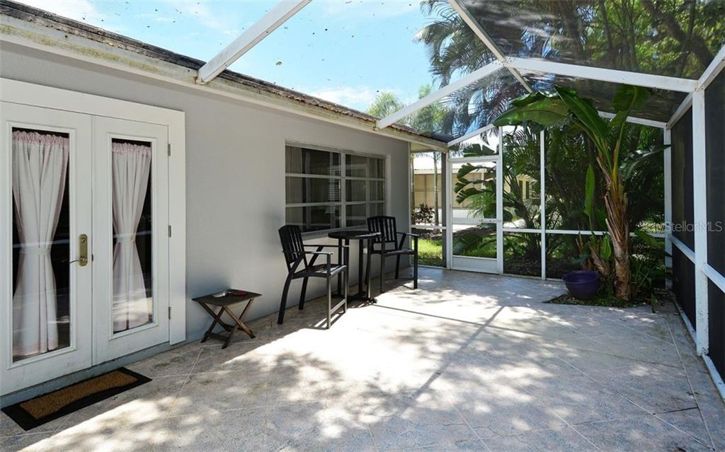 Single Family Home for sale at 1826 Brookhaven Dr, Sarasota, FL 34239 - MLS Number is A4406666