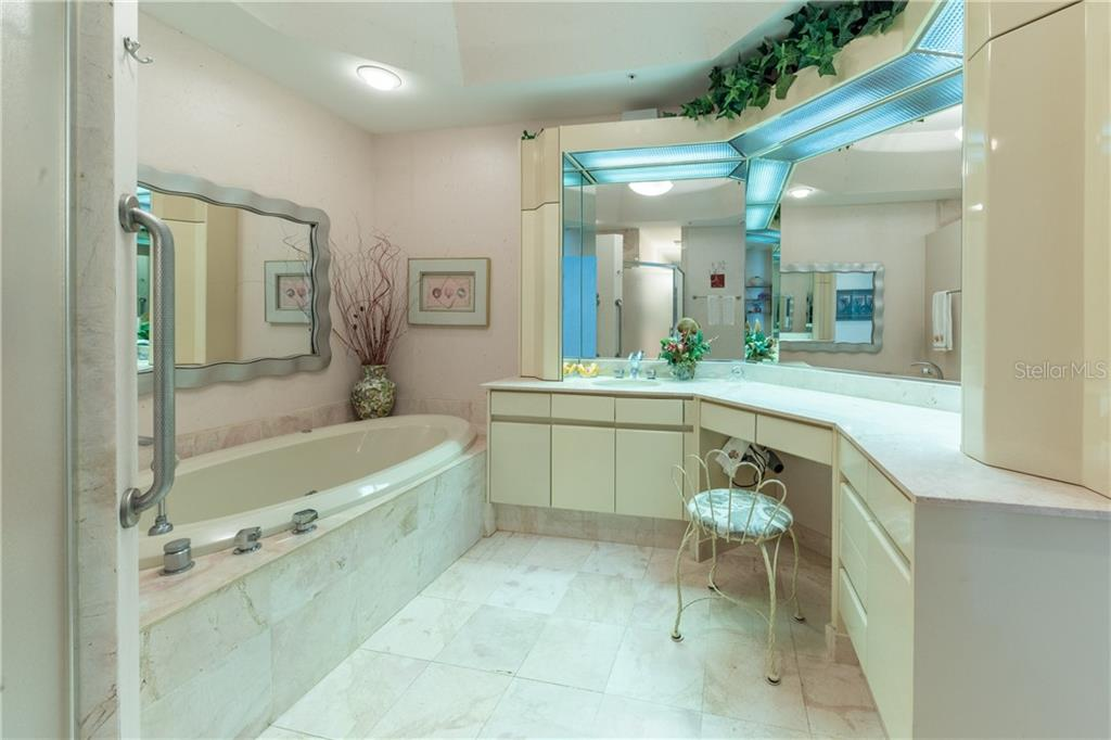 Her bath in the Master Suite. - Condo for sale at 435 L Ambiance Dr #k806, Longboat Key, FL 34228 - MLS Number is A4406683