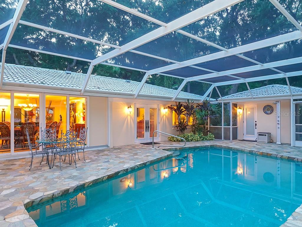 Pool - Single Family Home for sale at 916 N Casey Key Rd, Osprey, FL 34229 - MLS Number is A4408082