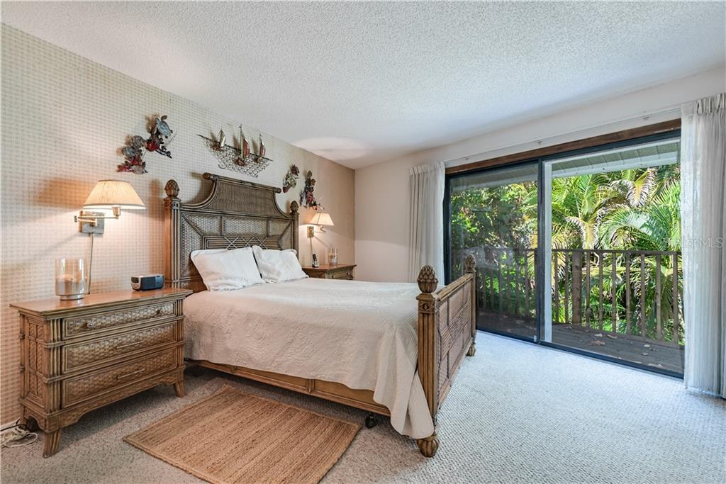 Master bedroom - Single Family Home for sale at 6661 Gulf Of Mexico Dr, Longboat Key, FL 34228 - MLS Number is A4410988