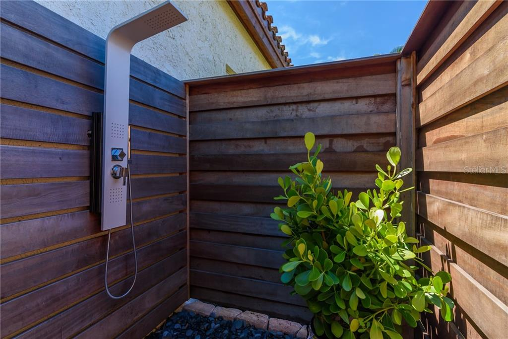 Outdoor Shower - Single Family Home for sale at 1019 S Osprey Ave, Sarasota, FL 34236 - MLS Number is A4415337