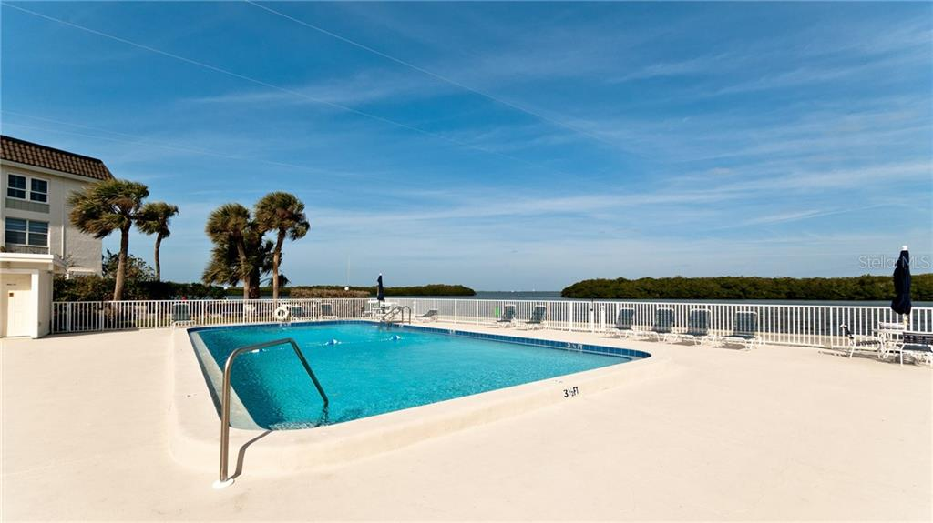 Condo for sale at 555 Sutton Pl, Longboat Key, FL 34228 - MLS Number is A4415767
