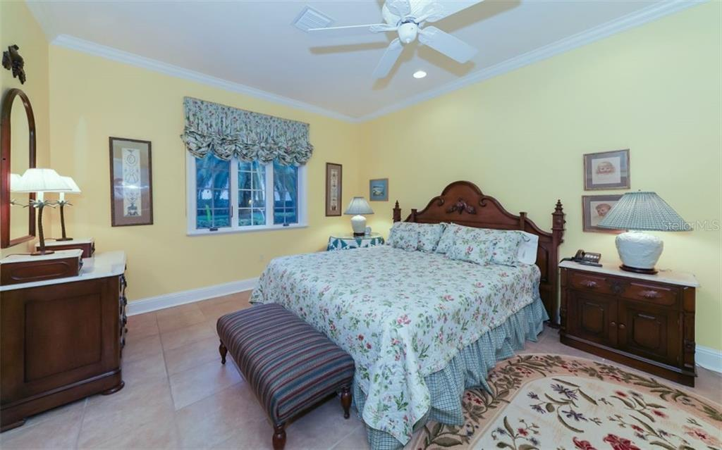 Single Family Home for sale at 2829 Wilfred Reid Cir, Sarasota, FL 34240 - MLS Number is A4416091