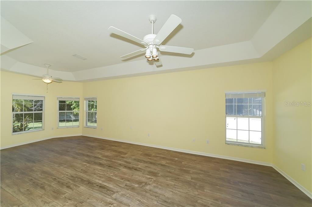 Massive Master Bedroom - Single Family Home for sale at 1714 79th Ct W, Bradenton, FL 34209 - MLS Number is A4416601