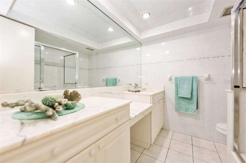 Guest bath - Condo for sale at 450 Gulf Of Mexico Dr #b107, Longboat Key, FL 34228 - MLS Number is A4418457