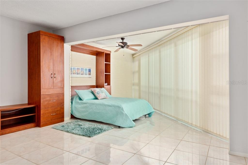 Murphy bed for the visitors. - Condo for sale at 450 Gulf Of Mexico Dr #b107, Longboat Key, FL 34228 - MLS Number is A4418457